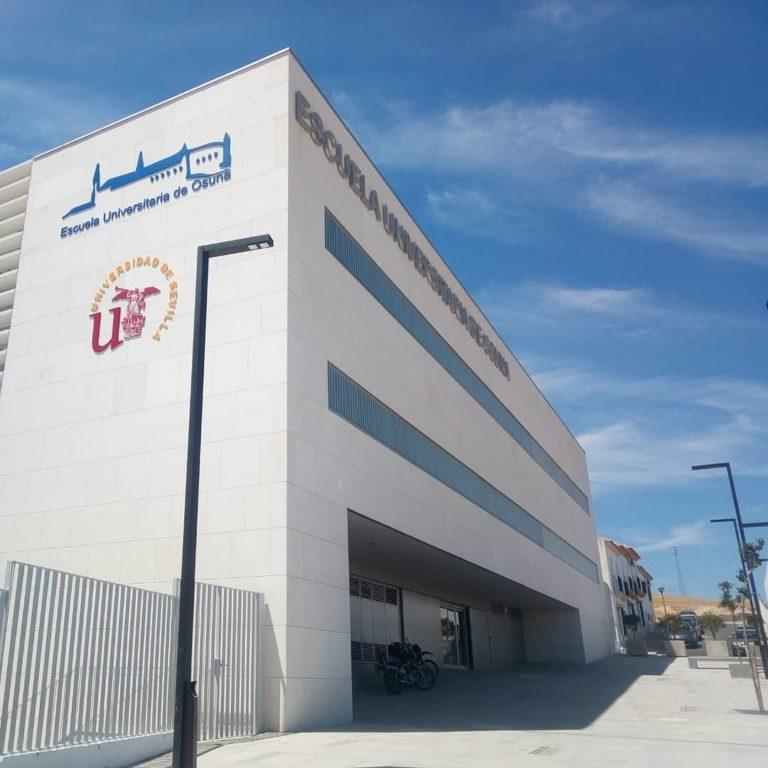 Revestimiento fachada ventilada Universidad Sevilla de Osuna